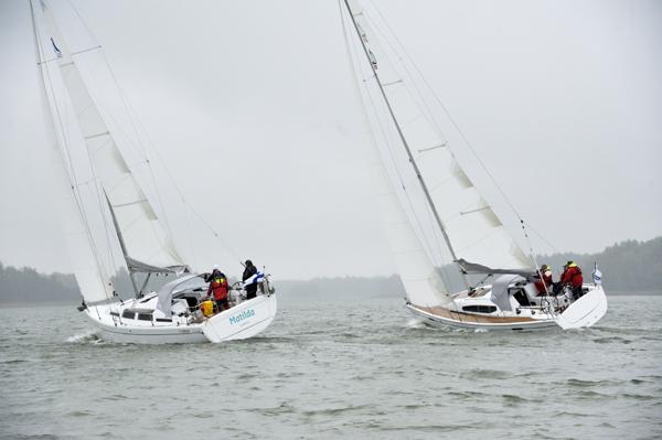 Hanse 345 (vas) ja Dehler 35 SQ