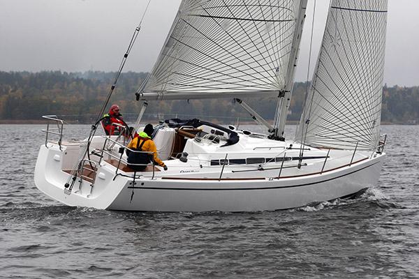 Veneen koepurjehduksessa Arcona 340