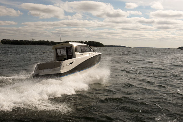 Kansainvälisesti puolalainen Quicksilver Activ 705 Cruiser