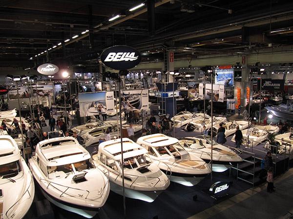 Helsingin venenäyttely tarjoaa elämyksiä