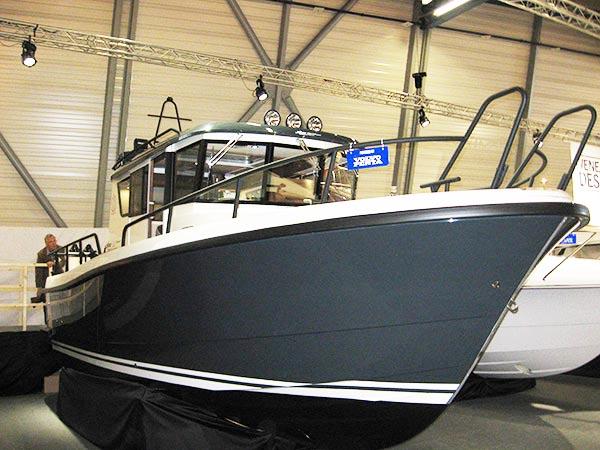 Design-näyttelyn voittajaveneen sisustus toimii
