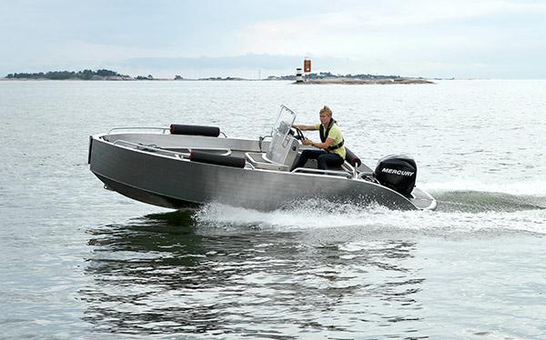 Tenderline Youngster 560 on hollantilainen alumiinivene