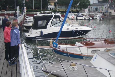 Veneet Esillä